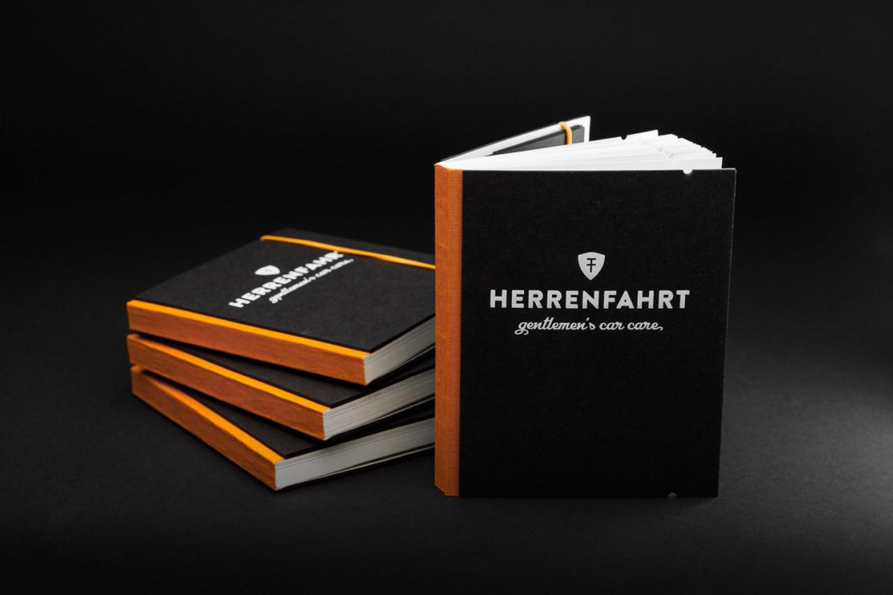 Studio Julian Kroehl HERRENFAHRT